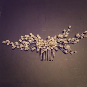 Jeweled Hair Comb with Pearls